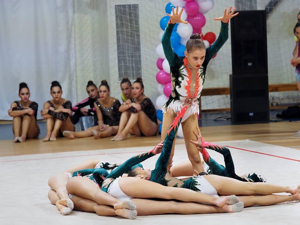Резултат с изображение за девойки естетическа гимнастика