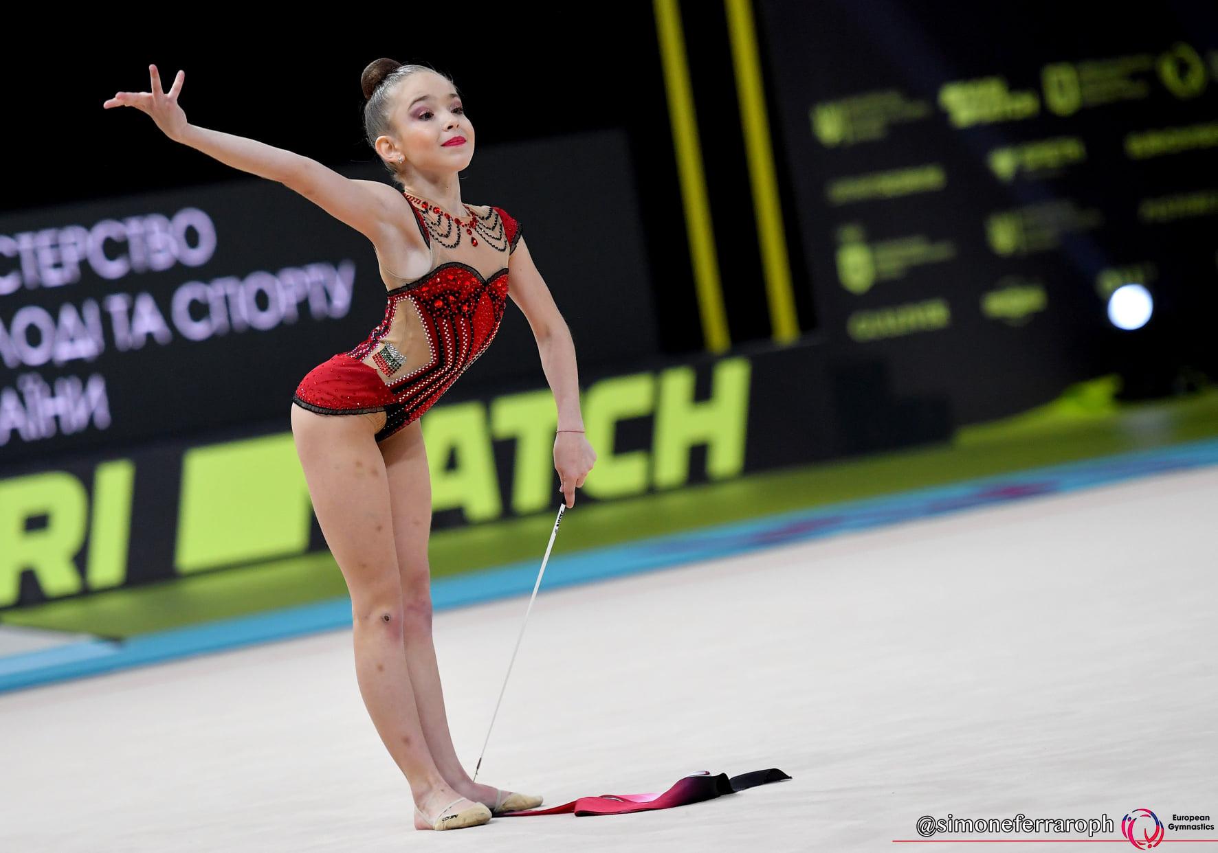 Стиляна Николова е европейска шампионка на лента (ВИДЕО)