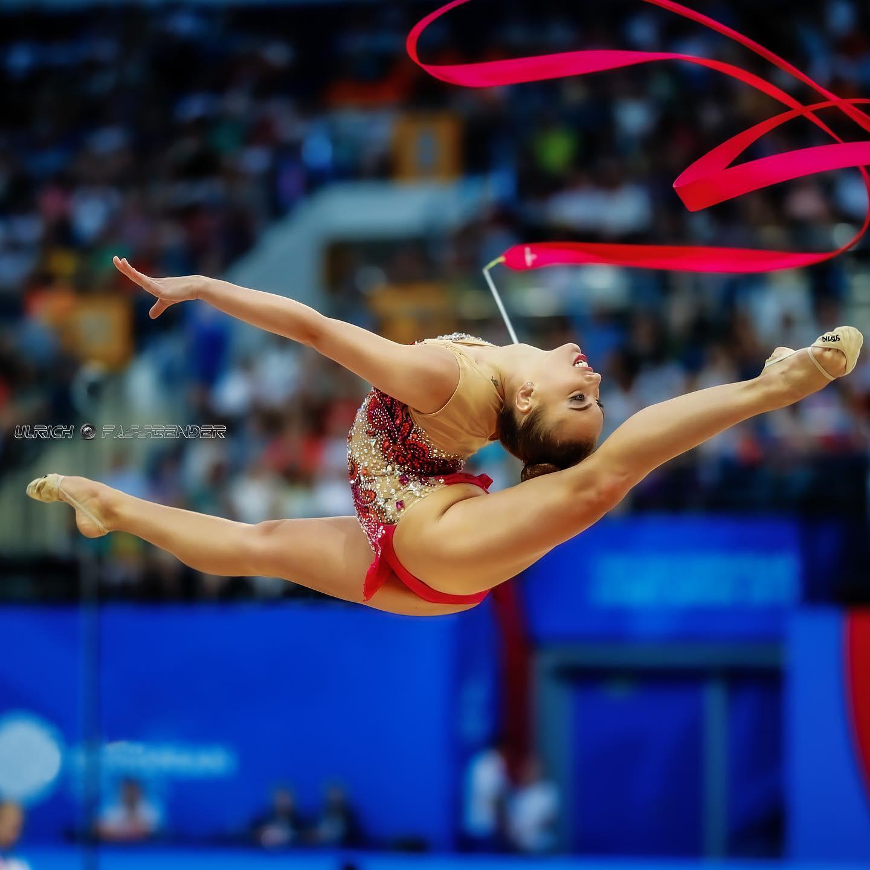 73 индивидуални гимнастички и 19 ансамбъла от 40 държави на СК София
