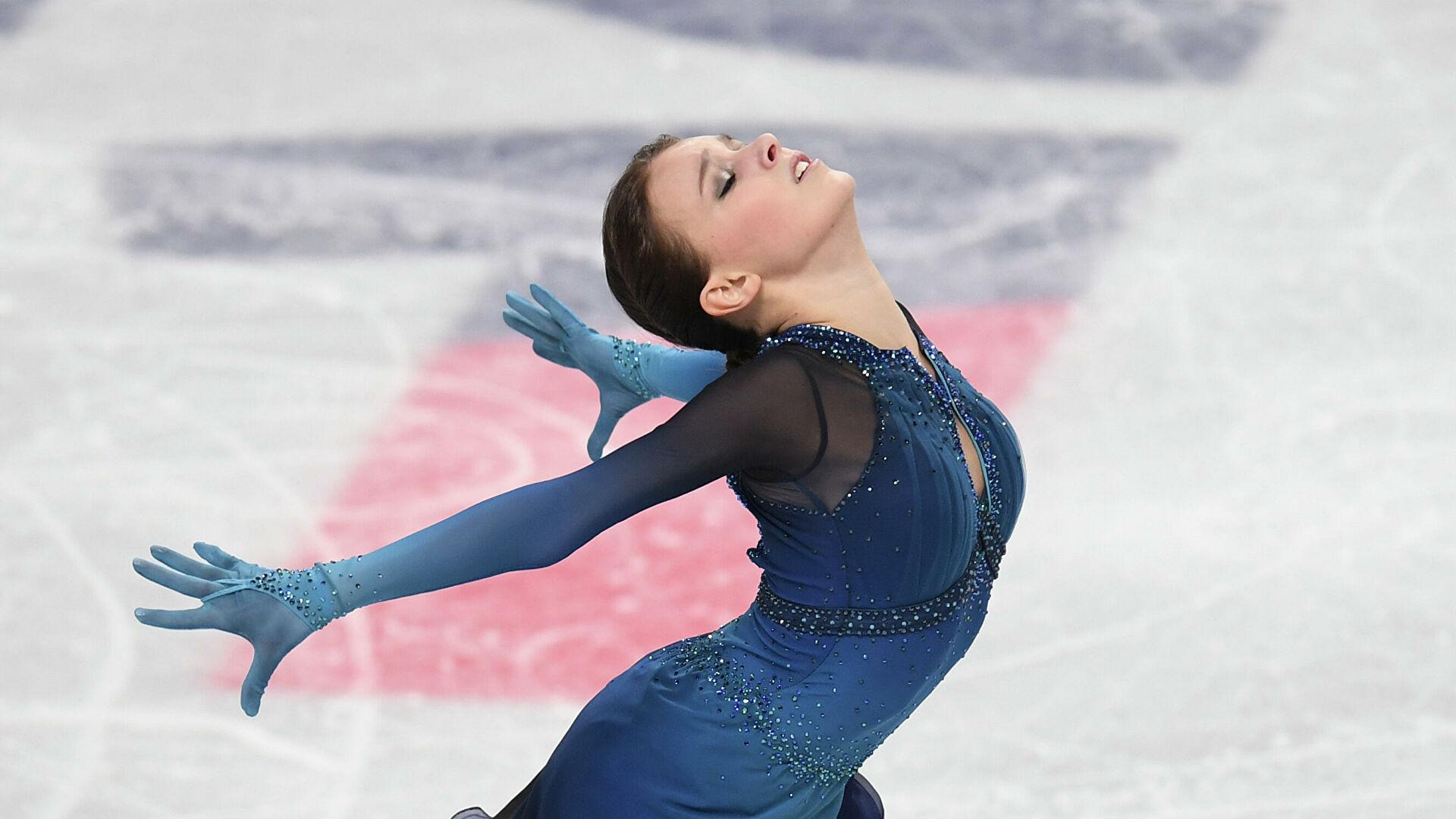 Анна Щербакова поведе на Световното в състезание с грешки, изненади и драми
