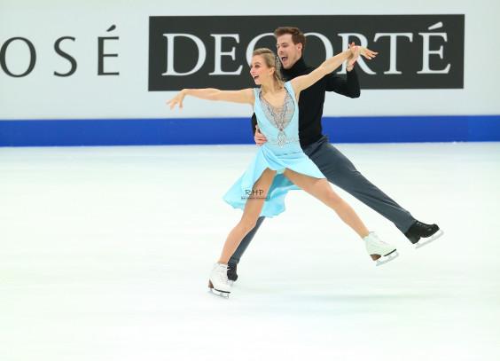 Синицина и Кацалапов върнаха титлата при танците на лед в Русия