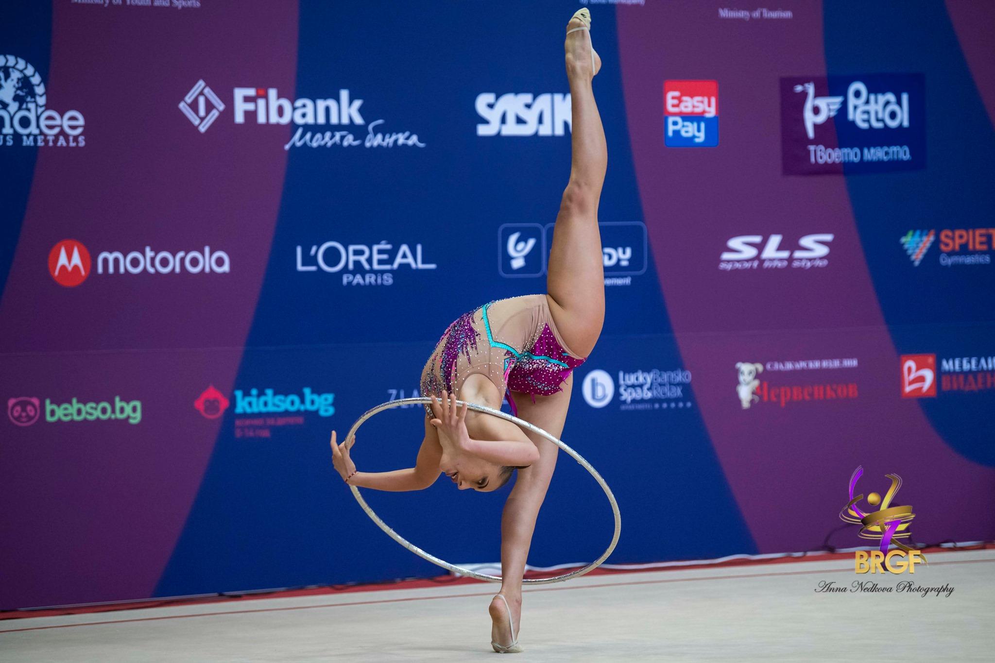 Пето място за Катрин Тасева във финала на обръч в Баку